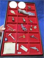 Display tray w/ small collectibles