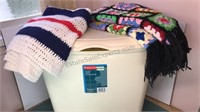 Rubbermade Clothes Hamper with Home made Crochet