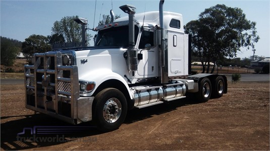 2007 International 9900 - Trucks for Sale