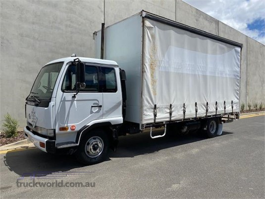 2002 UD MKB210 - Trucks for Sale