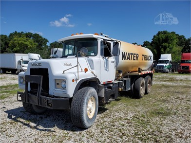 Mack Water Tank Trucks For Sale 63 Listings Truckpaper Com Page 1 Of 3