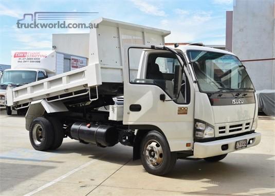 2007 Isuzu NPR 300 - Trucks for Sale