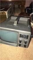 """Vintage Magnavox 13"""" TV with Remote and swivel"""