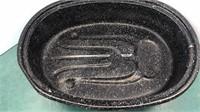 """Black Enameled Vintage Covered Roaster 18"""" wide"""