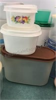 Collection of Plastic Containers Tupperware Super
