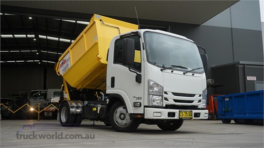 2018 Isuzu NLR - Trucks for Sale