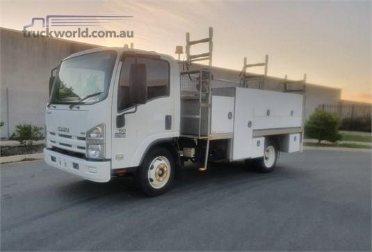 2011 Isuzu other - Trucks for Sale