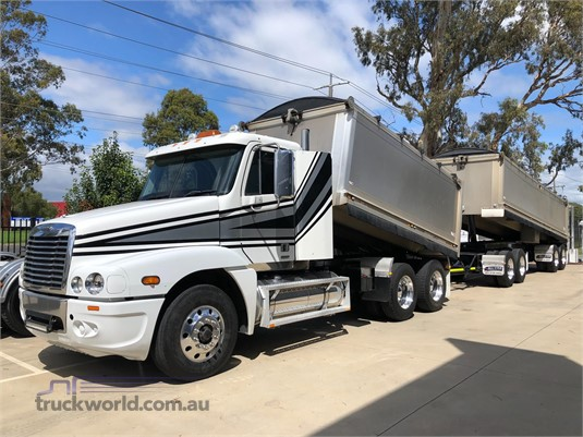2009 Freightliner other - Trucks for Sale