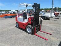 4000LB Clark CY40B Forklift