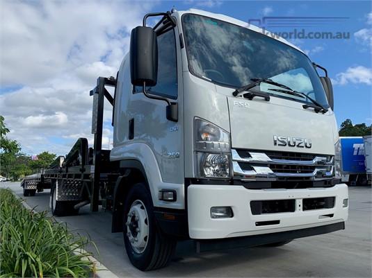 2020 Isuzu FSD - Trucks for Sale