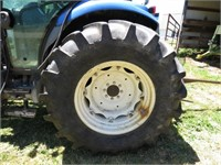 New Holland Cab Tractor with Loader