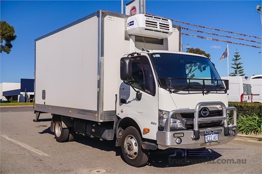 2016 Hino 300 Series 921 - Trucks for Sale
