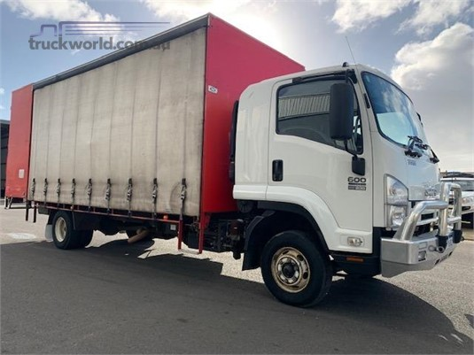 2010 Isuzu FRR 600 Long - Trucks for Sale