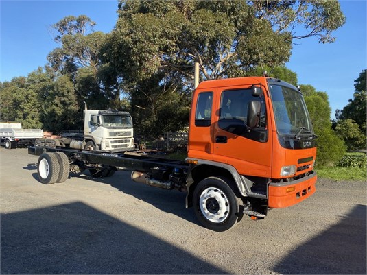 2004 Isuzu FTR - Trucks for Sale