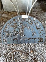 """Iron """"Welcome"""" Sign/Mat & Small Table BAse"""