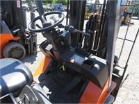 Toyota 7FGCU30 7000 LB Forklift
