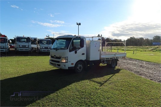 2013 Hino 300 717 - Trucks for Sale