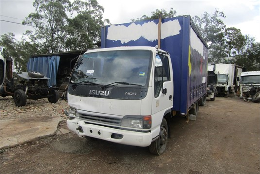 2004 Isuzu NQR - Wrecking for Sale