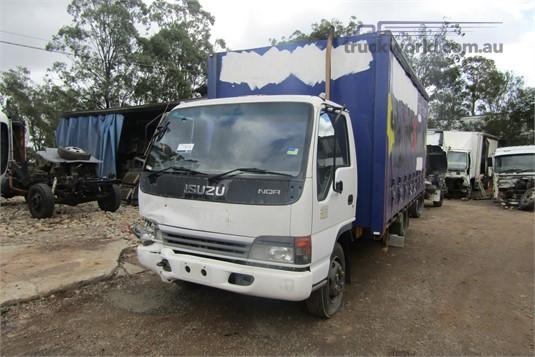 2004 Isuzu NQR - Wrecking for Sale