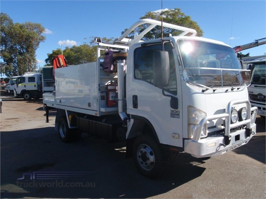 2013 Isuzu NPS 300 4x4 - Trucks for Sale