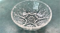 4pcs Vintage Glass Leaf Shaped Snack Trays 9""