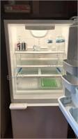 Whirlpool Refrigerator/ Freezer with Ice Maker