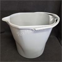 (2) Mop Heads & 12qt Bucket