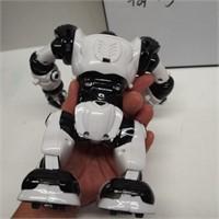 2004 Wow Wee Ltd. Toy Figurine
