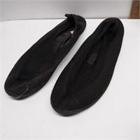 Size 13 Aqua Socks