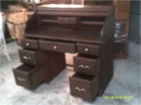 Beautiful Vintage Roll Top Desk - 8 Drawers