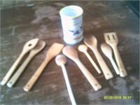 9 Piece Set Wooden Kitchen Utensils & Holder