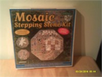 Mosaic Stepping Stone Kit - New