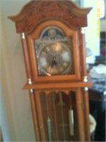 Battery Operated Daniel Dakota Grandfather Clock