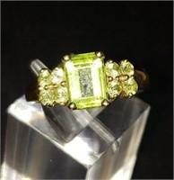 10K yellow gold Peridot Ring size 7