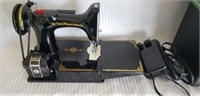 Singer Featherweight Vintage Sewing Machine in Box
