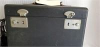 Vintage Singer Featherweight Sewing Machine in Box