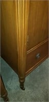 Beautiful wood mid century modern chest of drawers