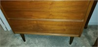 Beautiful wood 4 drawer chest of drawers