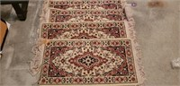 Lot of 4 small rugs
