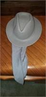 6 vintage Ladies hats & 3 vintage hat boxes