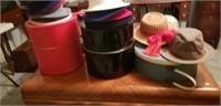 21 vintage Ladies hats & 3 vintage hat boxes