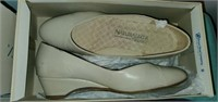Estate Lot of 9 Pair of Women's Shoes Size 8 - 8.5