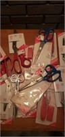 Estate lot of singer cutters and scissors