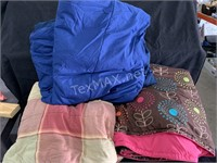 Large Lot Comforters, Full/Queen Size