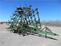 35' John Deere Cultivator