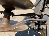 John Deere 630 hydraulic fold tandem disk