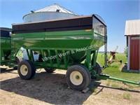 2012 Brent 544 gravity wagon