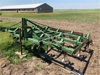 John Deere 1100 3-bar cultivator with 3-tine drag
