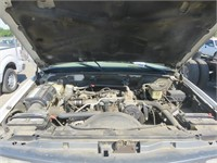 (DMV) 1999 GMC Sierra 3500HD Pickup with Utility B