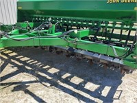 """JD 1560 Drill, 15 Ft., 7 ½"""" Spacing, Markers,"""